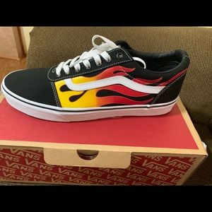 Vans shoes, men's.(new with tags)